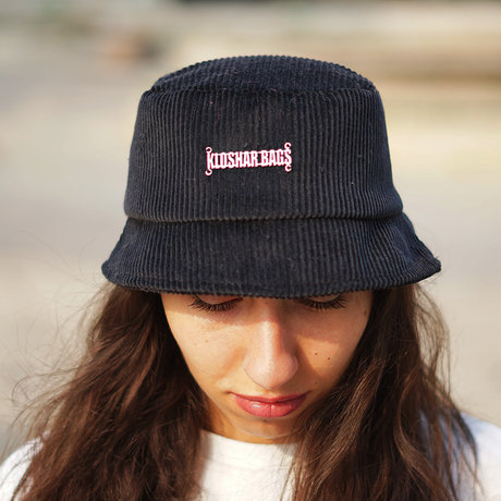 Bucket hat | Black Jeans