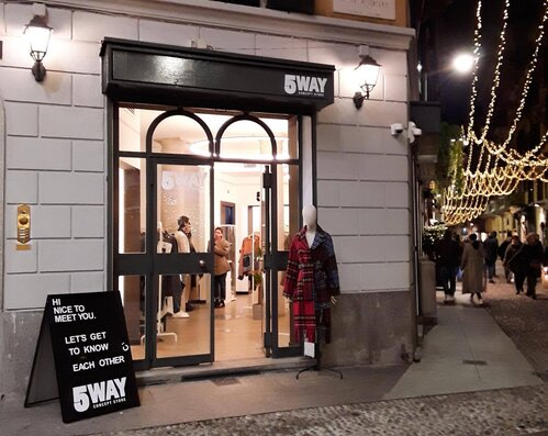 5 WAY POP-UP STORE | Milano, Italy